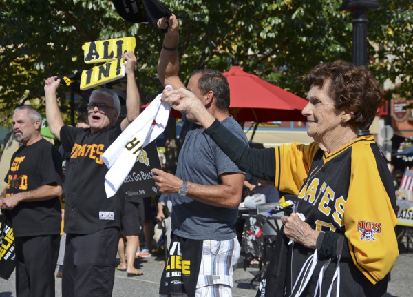 Pirate fans pack Market Square on Sept. 30, 2014, for a playoff rally. Photo: Haley Wisniewski | Point Park News Service