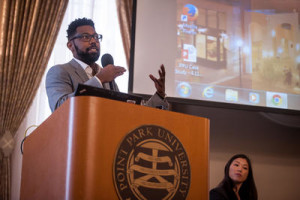 Damon Young, editor-in-chief of Very Smart Brothas, talks about how he approaches social media during a panel hosted by #Burgh 2.0 @PointPark. By Stephanie Strasburg, Tribune-Review.